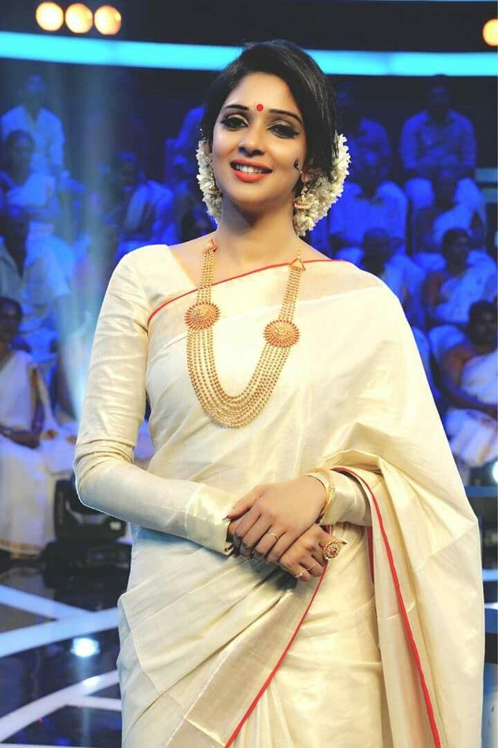 #Onam #Keralasaree | #Nyla Usha | mtwit #Mazhavilmanorama