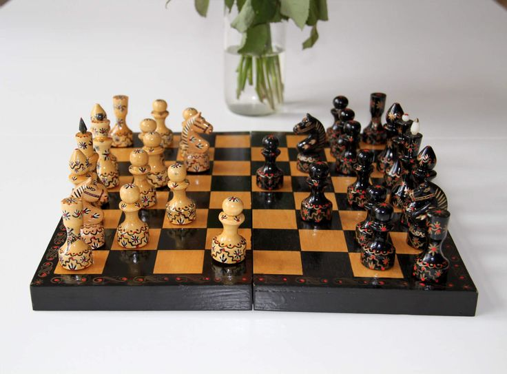 Vintage Original Hand Painted Wooden Chess Set From Soviet Union-Russia(Irkutsk)-1982 Schachspiel aus der UdSSR. Made in USSR. Beautiful(4) von SovietGallery auf Etsy