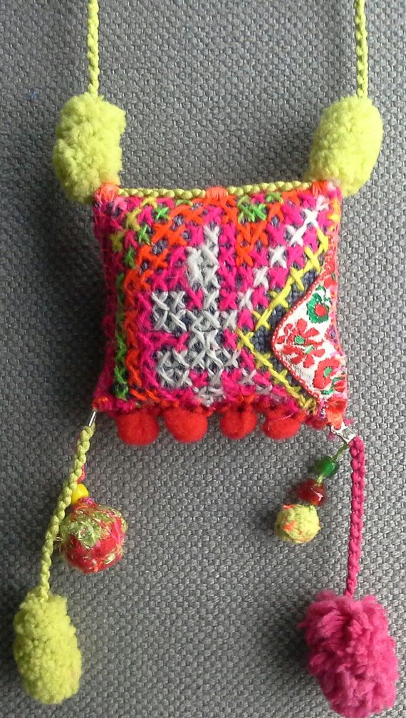 Collier/Pendentif textile coloré. Esprit bohème. par VeronikB