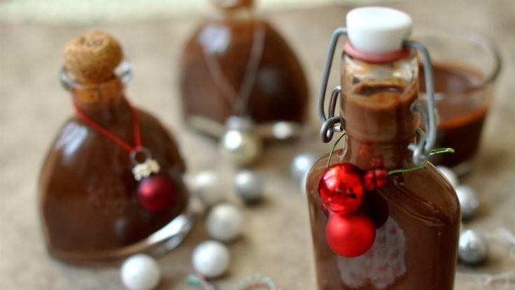 Tökéletes ajándék csokirajongóknak: vaníliás csokilikőr házilag