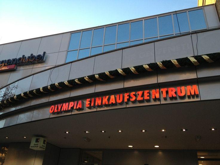 Olympia-Einkaufszentrum (OEZ) in München, Bayern