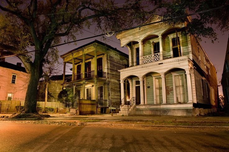 Haunting Photos Of New Orleans Houses Reveal Louisiana's