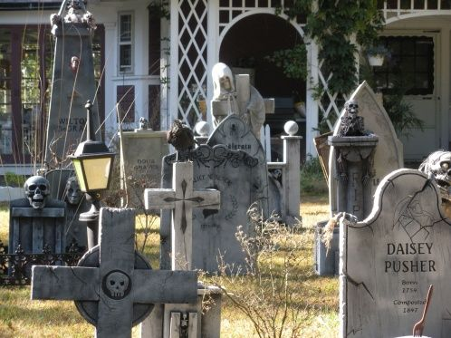 yard haunt props prop showcase brewster yard haunt cemetery is up