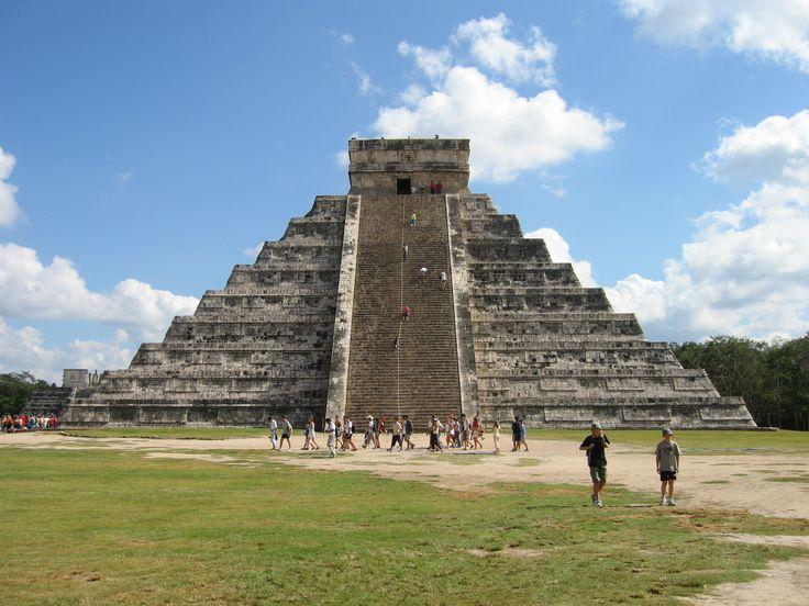 Pyramid in Chichen Itza,Yucatan,Mexico