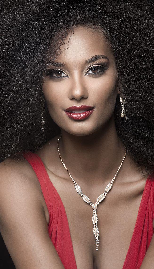 Beautiful Black Woman dripping in diamonds - it's a beautiful thing! www.missKrizia.com