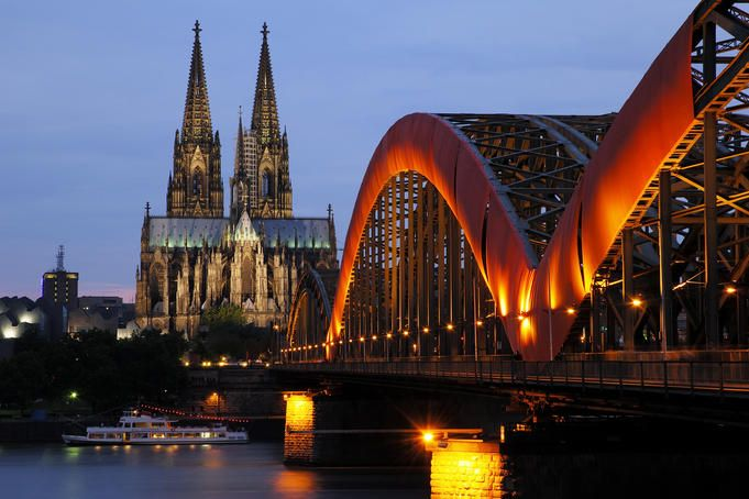 Cathedral of Cologne and Hohenzollern bridge - Germany
