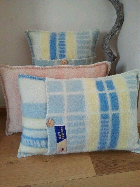 Kussens van oude wollen dekens. (vintage blanket)