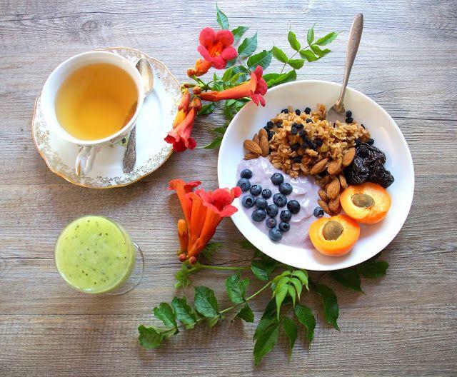 Bienvenue chez Spicy: Petit déjeuner super food - Habermus, baies d'aronia, mytilles et thé vert bio