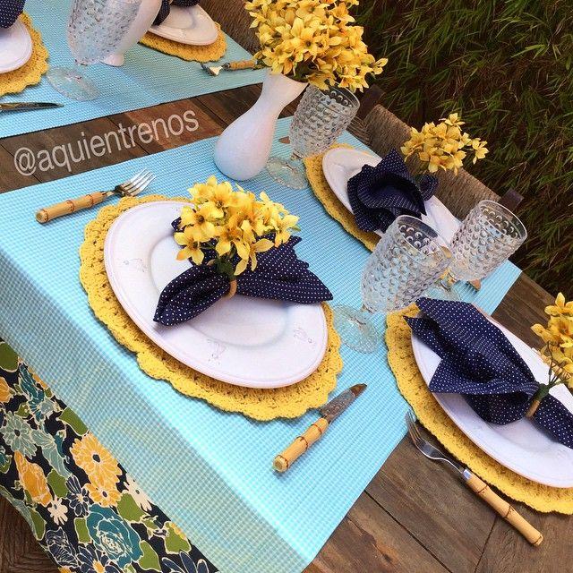 """""""Mesa Francine explorando vários tons de azul. E o amarelo? #temqueter Contato:entrenos.aqui@gmail.com WhatsApp (24)988291514"""" Photo taken by @aquientrenos on Instagram, pinned via the InstaPin iOS App! http://www.instapinapp.com (04/20/2015)"""