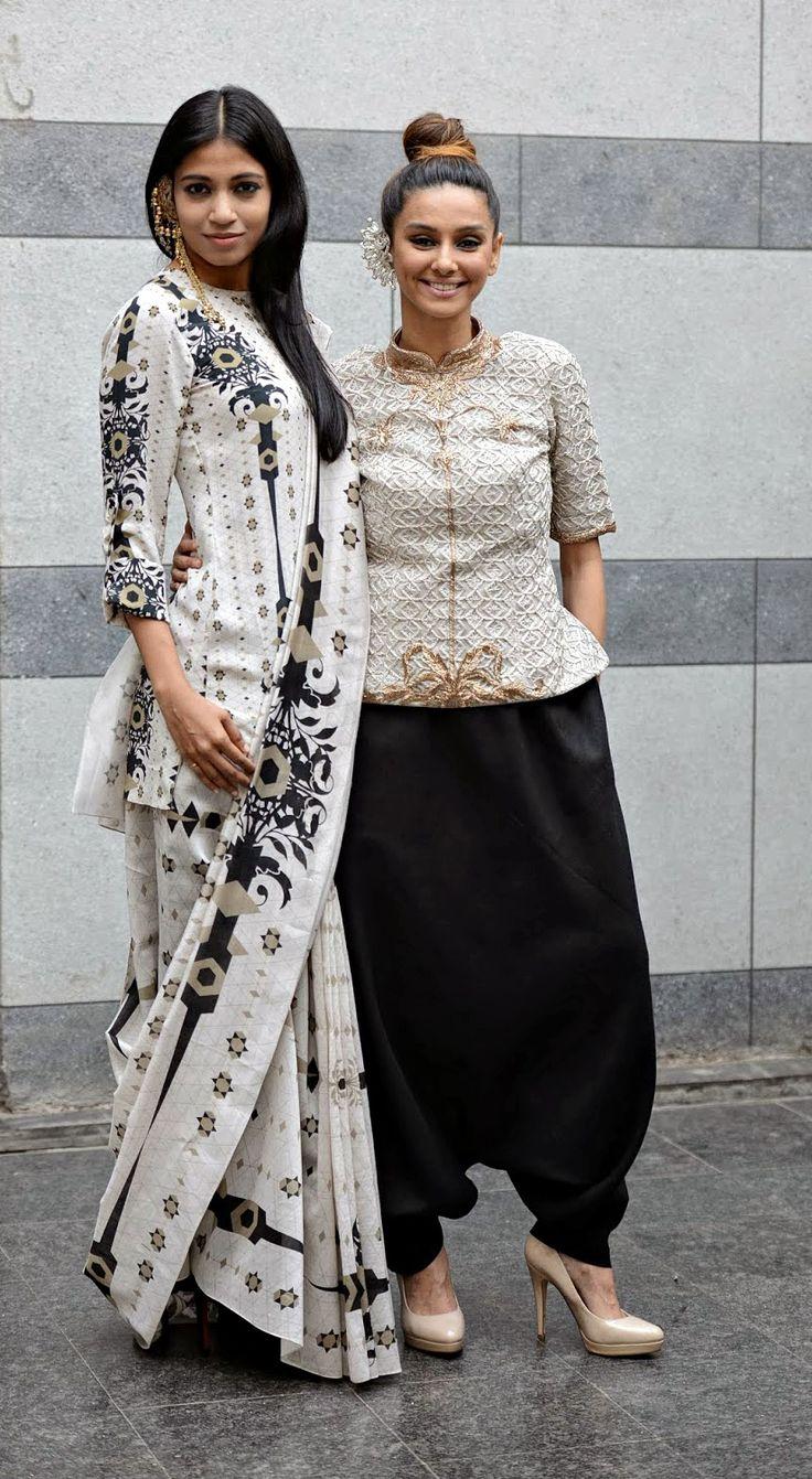 """Lady Sahara"" by Payal Singhal – Lakme Fashion Week Summer Resort 2013"