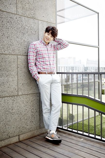 The brilliant Park Eun Seok. Gosh...I love his performance in The Gentlemen of Wolgyesu Tailorshop.