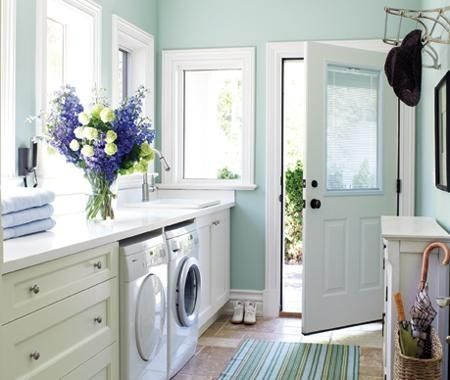 Would love this space for my laundry room! One can dream.