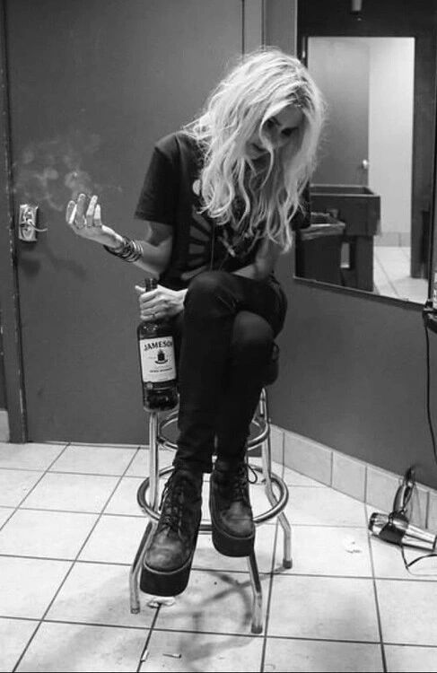 insanity-never-dies: ♡Taylor Momsen♡
