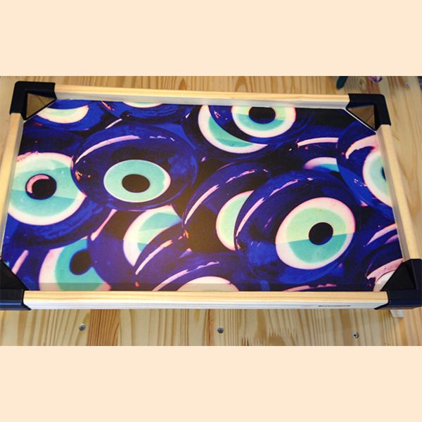 Mesa Desayuno Ojos Turcos by Cuarto de luz. Decohunter. Regalos originales. ideas de regalo. Amor y amistad. Encuentra dónde comprar este diseño y Producto en Colombia.
