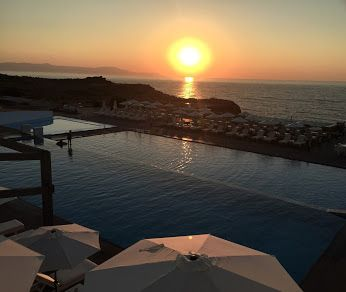 We just enjoyed one of the most extravagant sunsets of July…There are still a few left for this month! Join us for cocktails at Cretan Pearl Resort & Spa and feast your eyes to our very own magnificent afternoon view and its kaleidoscope of superb colors!