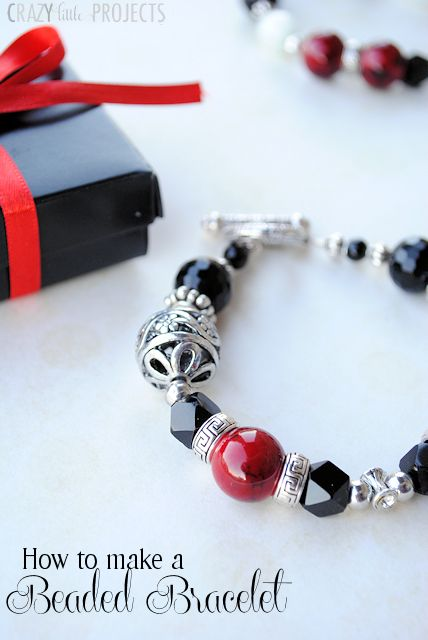 How to Make a Beaded Bracelet (Great Christmas gift idea!)