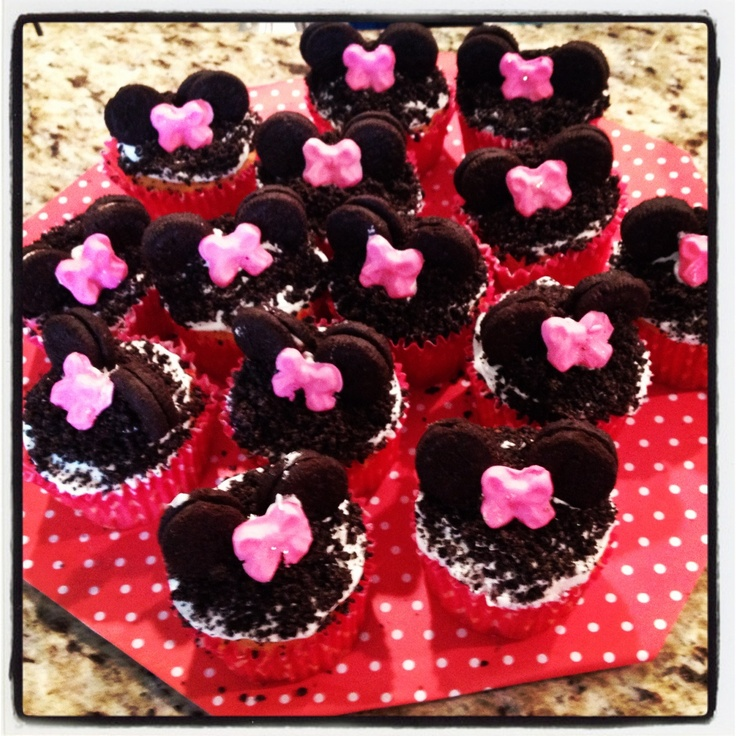 Minnie mouse cupcakes for a baby shower | Projects I Did ...