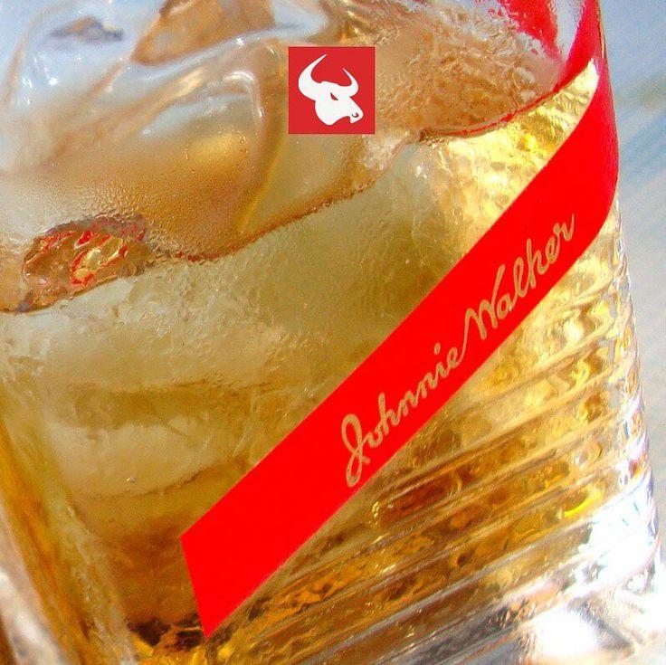 Los sábados a partir de este momento tenemos el Whisky Red Label al 3X2. Pregunta al mesero por ésta y otras promociones.
