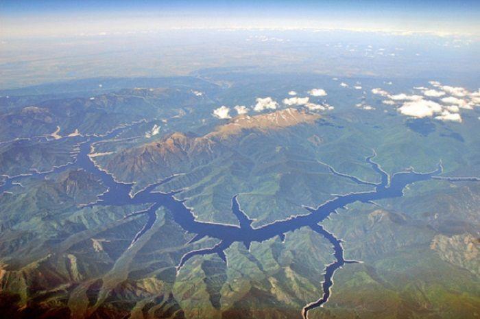 Енисей — одна из величайших рек СССР и земного шара.