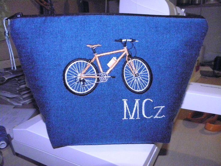 pourse for cyclist