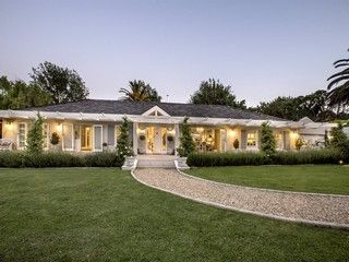 40 Properties and Homes For Sale in Constantia, Cape Town, Western Cape | Lew Geffen Sotheby's International Realty