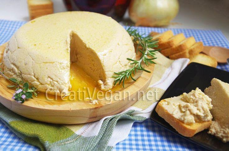 Una receta sencilla para hacer un queso 100% vegetal casero con aromas y sabores de quesos curados, tierno, especial para untar y elaborar salsas.
