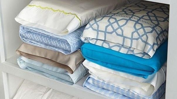 как складывать постельное бельё в наволочки