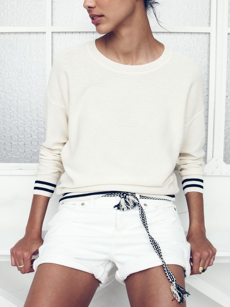 Madewell vacay sweater worn with boyshorts + campweave belt.