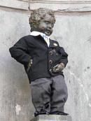 Manneken-Pis in costume