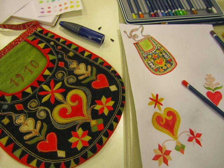 FolkCostume&Embroidery: Kjolsäcken, Loose Pockets of Leksand, Dalarna…