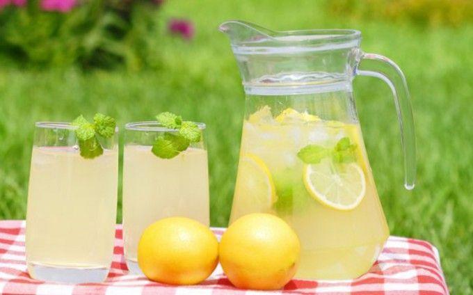 Levná a chutná osvěžující limonáda na léto | NejRecept.cz