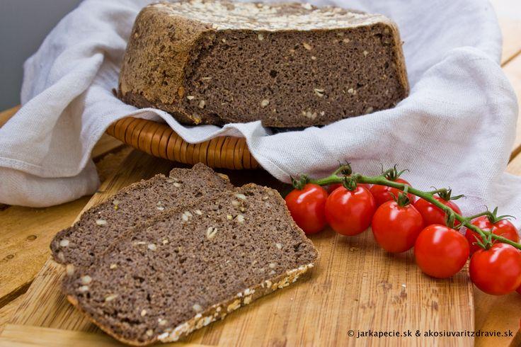 Pohánkový chlieb – bez lepku, droždia aj kvásku | jarkapecie.sk