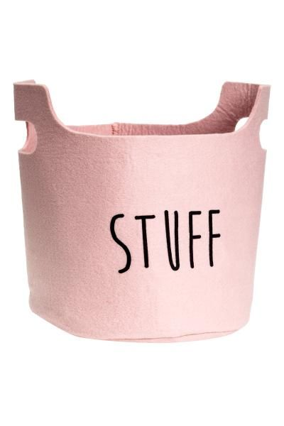 Felt storage basket: Sturdy, cylindrical storage basket in felted fabric with a handle at the sides. Height 19 cm, diameter 22 cm.