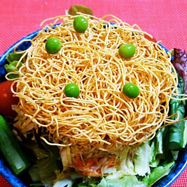 皿うどん麺のパリパリサラダ