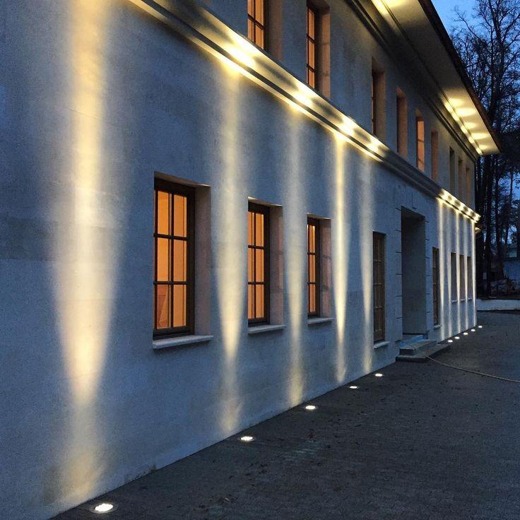 EGO, outdoor lights !! From @lightinstall from instagram : Встроенные светильники #artemide EGO прекрасно справились с задачей подсветки фасада загородного дома. Освещение фасада управляется с #iphone и кейпадов #lutron. Монтаж закончен, идёт настройка. #lightinstall #дизайн #свет #освещение #lighting #дизайн #дизайнинтерьера #архитектура #москва #интерьер #декор #стиль #фасад #дом #квартира #design #light #interior #interiordesign #home #homecontrol #building #house #art #inspiration #style