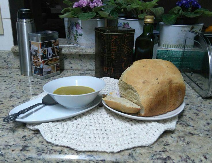 Jantar: Sopa creme de ervilha; pão de aveia com linhaça marrom.