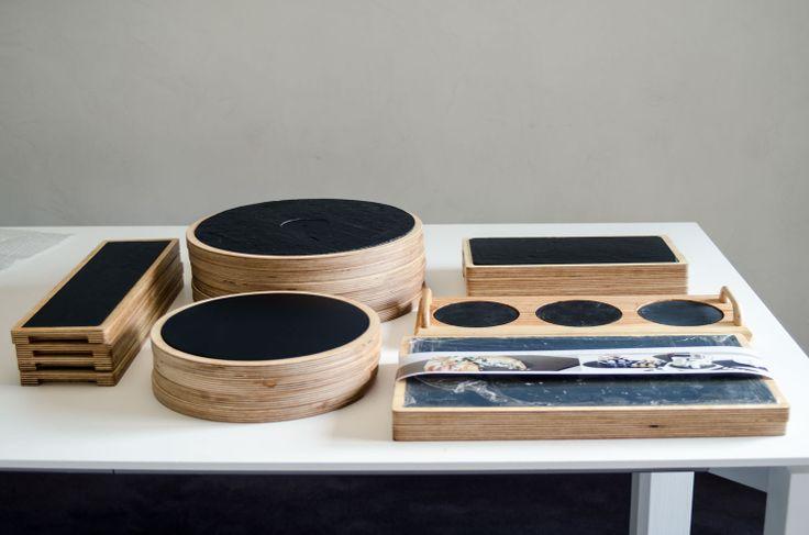 Nuestras nuevas #tablas de madera para #plato de #pizarra son ideales para hacer un #regalo de #bodas. Tenemos disponibles distintos modelos fabricados en exclusiva por #platosypizarras.com Se el primero en regalar nuestas #tablas. #regalosbodas #ideasregalos #comuniones #tablaspizarra