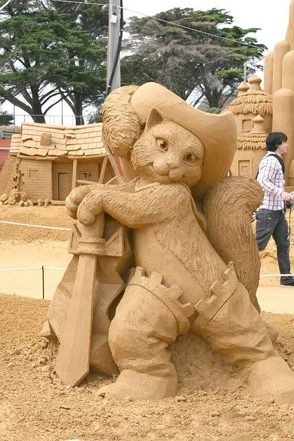 RK:Co21 025..Sand Sculpture |at Frankston Beach