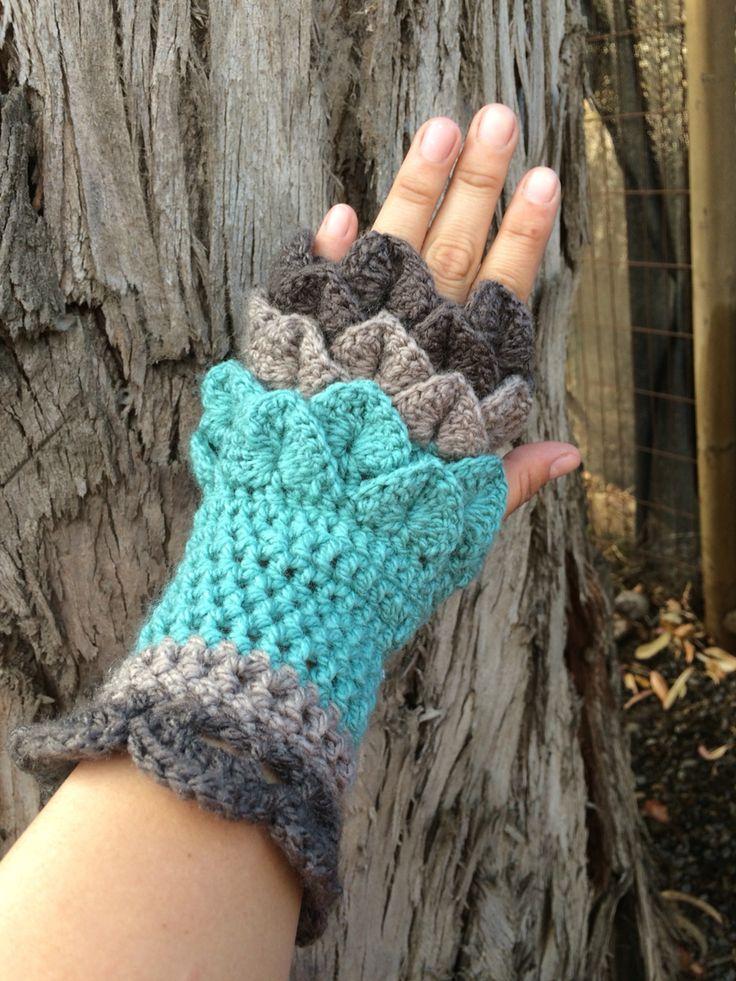 Guantes sin dedos #crochet punto cocodrilo by Maureen Robeson Magnasco