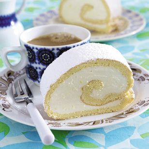 Biskuitrolle backen - 7 goldene Gelingregeln - biskuitrolle-backen