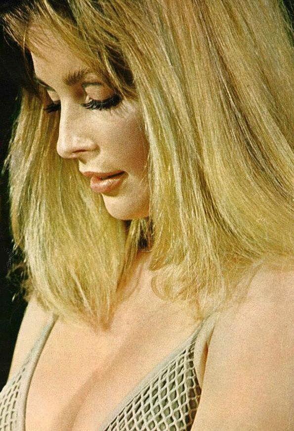 La increible #SharonTate,60'sbeauty icon