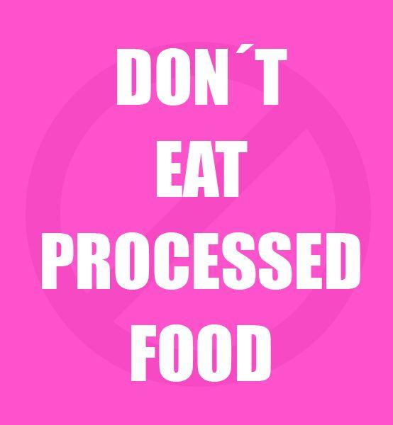 Willst du dich gut und gesund ernähren, dann verzichte auf industriell verarbeitete Lebensmittel. Kauf viel Obst und Gemüse, Fisch aus zertifiziertem Fang und Fleisch aus regionaler Aufzucht und meide alle Fertigprodukte, Industriezucker und Zusatzstoffe. Auf diese Weise kannst du bei deiner Ernährung nichts falsch machen!
