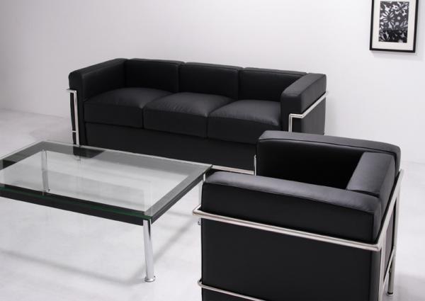 LC2 3P (ル・コルビジェ) 世界3大巨匠建築家、ル・コルビジェが1928年に発表し、ニューヨーク近代美術館の永久保存版にもなっている伝説のソファ。