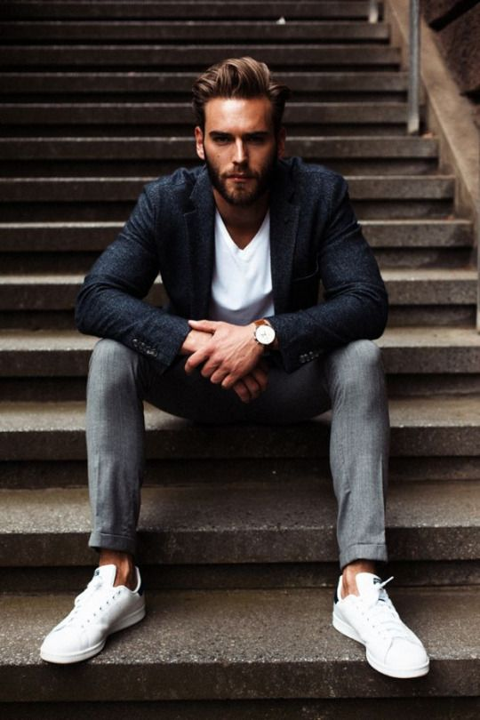 Men's style: blazer, grey pants and white shoes