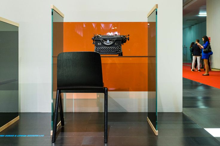 Bouroullec: Glas Italia / 60 Patricia Urquiola and Joanne Grawunder, colored glass and graphic design solutions to create two coffee tables that are different but equally unusual.