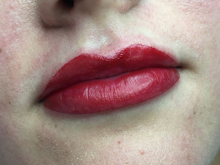 It's been a long time since I've had a client who wants a bold lip, although this is straight after treatment the colour will fade and soften by around 30% and heal to a soft red to compliment her already gorgeous lips 💋