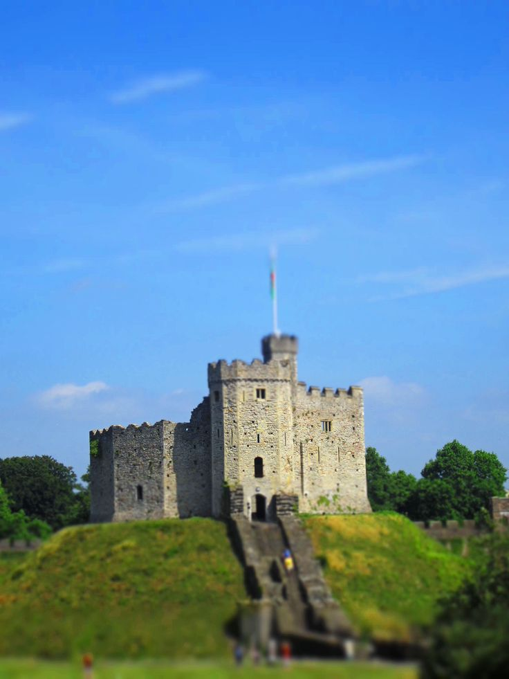 19 top cardiff castle - photo #38