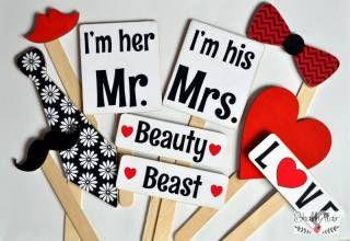 shabbyflair Photo Booth Set LOVE besteht aus zehn robusten Holzteilen mit Holzstielen Die Schilder können durchaus mehrmals verwendet werden, anders a