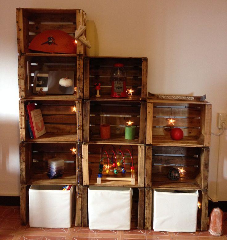 DIY bookshelves with fruit boxes Estanteria cajas de fruta
