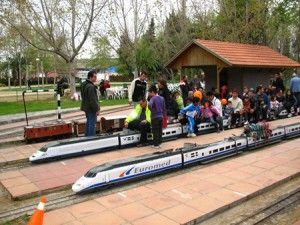 Parque Can Mercader « Ideas para peques parque con réplicas de los trenes en las que nos podremos montar y viajar por el parque